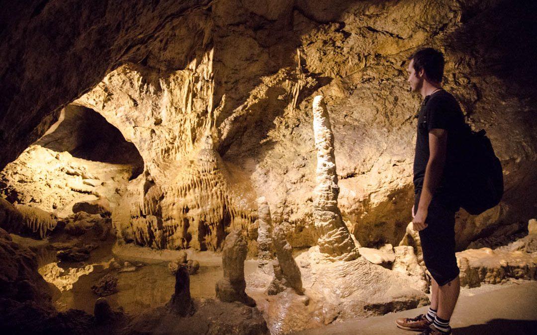 Unkarin vaikuttavat luolat: Szemlö-vuoren luola ja Pal-laakson luola