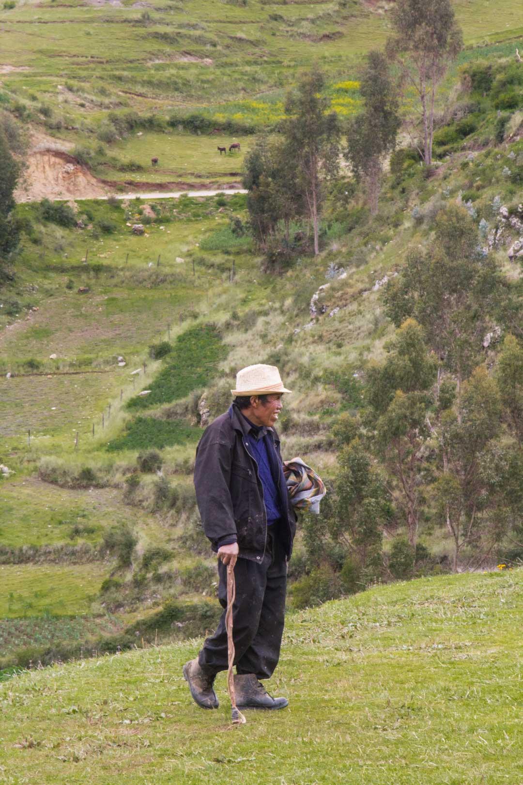 perulainen mies Chincherossa
