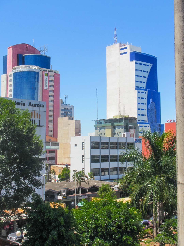 Ciudad del Este Paraguay Brasilian ja Argentiinan rajalla