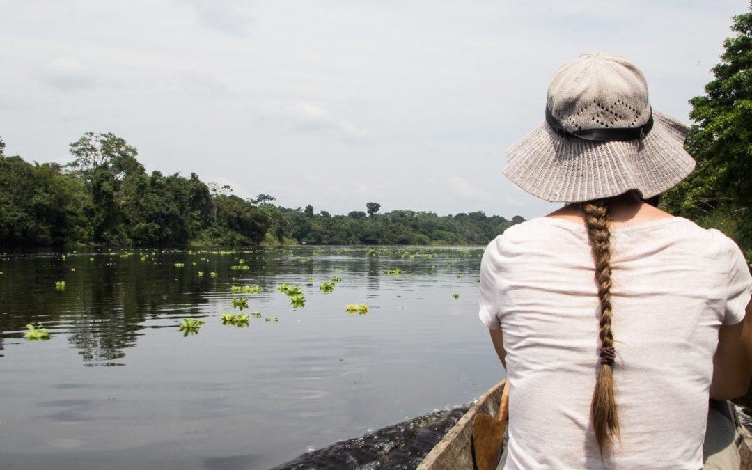 Kaimaanien ja jättiläissaukkojen jäljillä Amazonissa