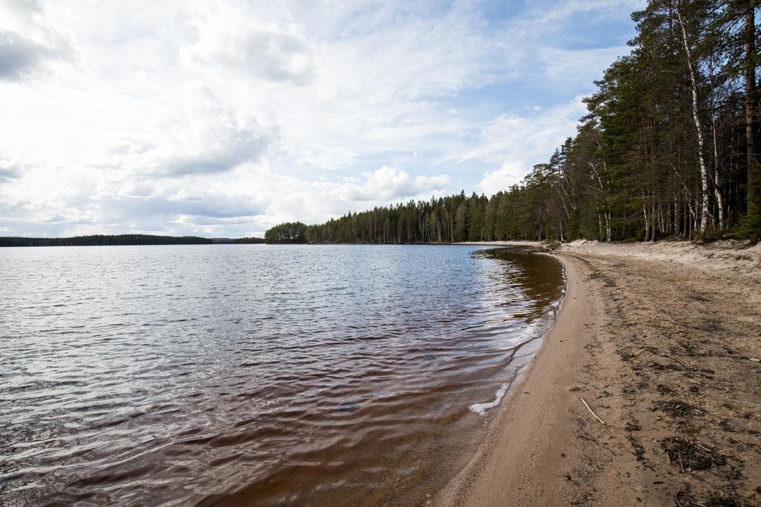 hiekkaranta Helvetinjärven kansallispuistossa