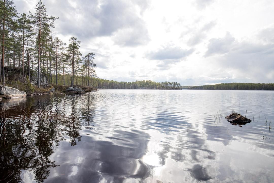järvellä Helvetinjärven kansallispuistossa