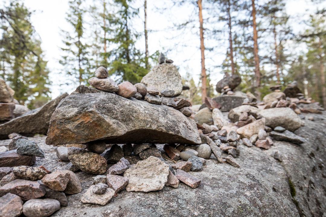 kiviä Helvetinjärven kansallispuistossa
