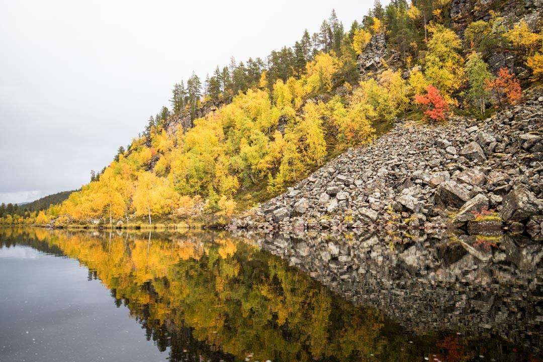 venekyyti ruska-aikaan Lemmenjoen kansallispuistossa