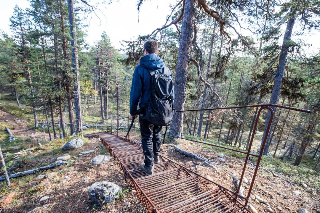vaeltamassa ruska-aikaan Lemmenjoen kansallispuistossa