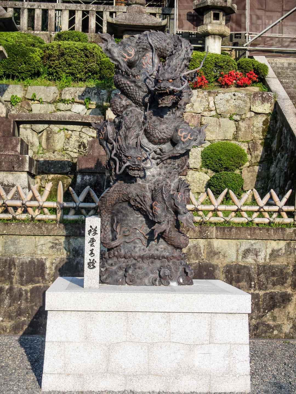 patsas Kiamizuderan temppelissä Kiotossa Japanissa