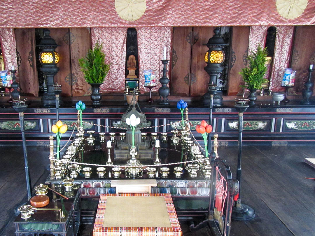 Ninna-ji temppelin sisältä yksityiskohtia Kiotossa Japanissa