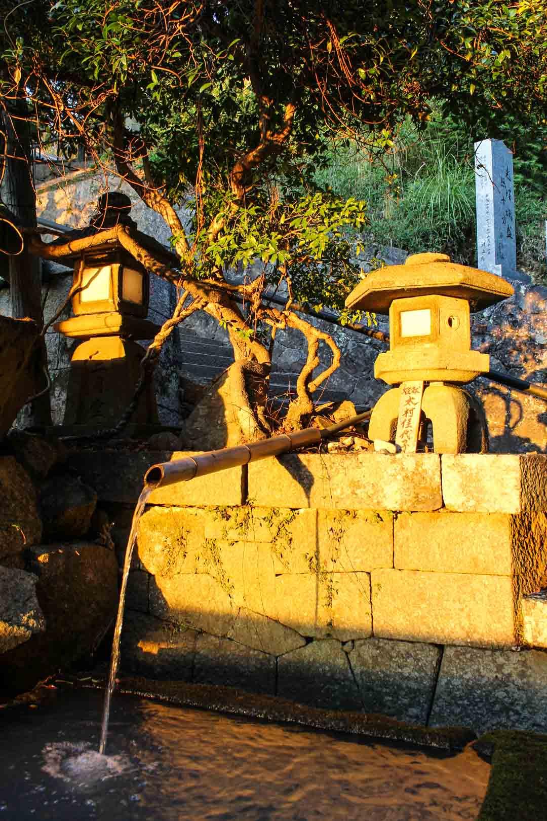 Nigatsu-don temppeli Narassa Japanissa auringonlaskun aikaan