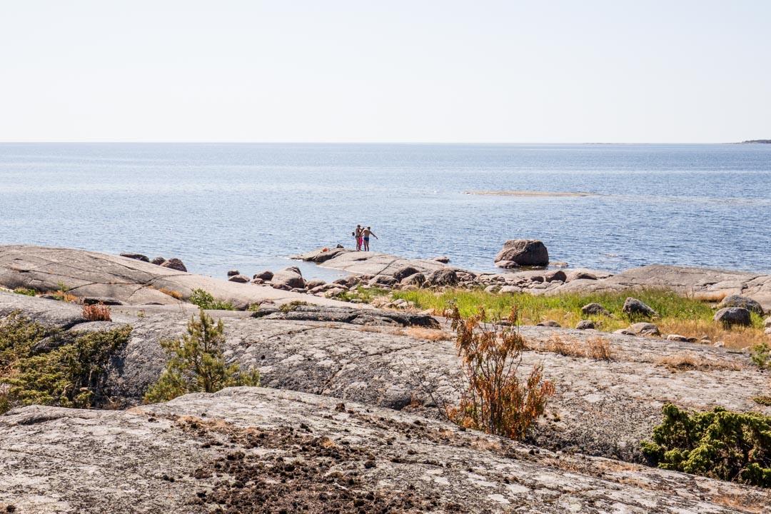 Ulko-Tammion rannoilla voi pulahtaa uimaan
