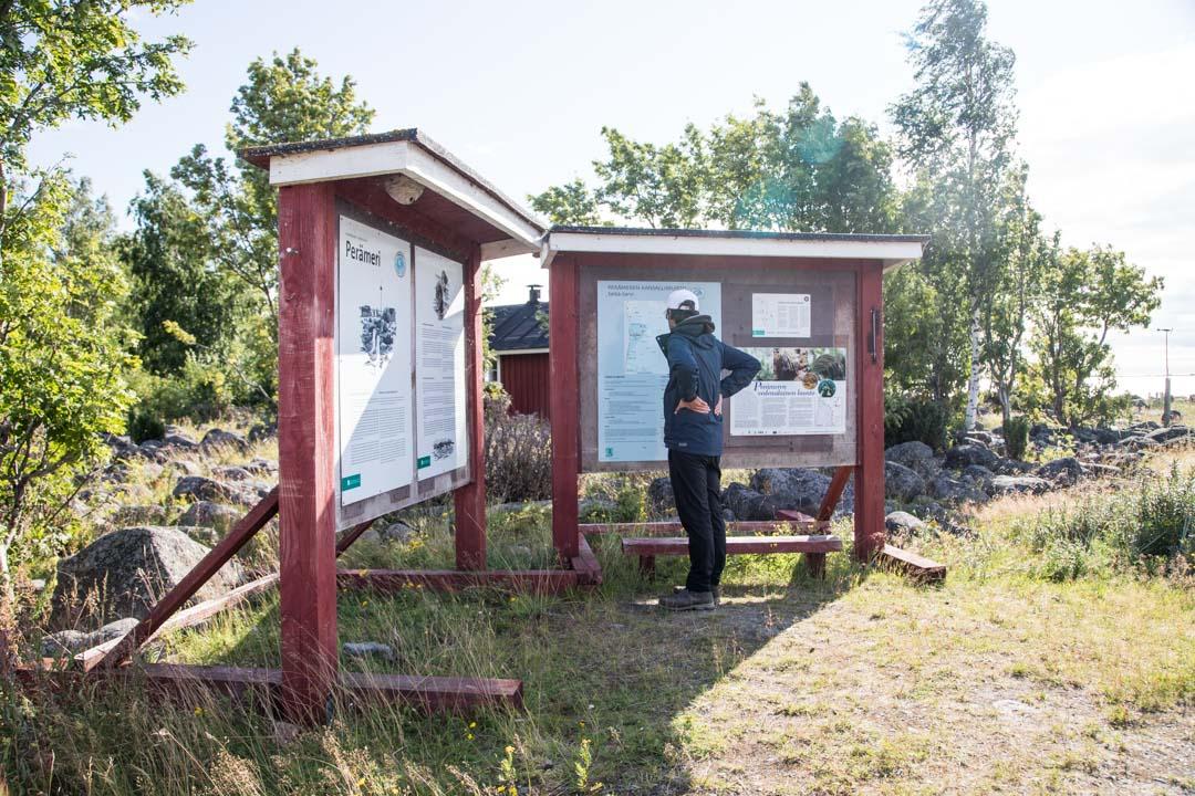 Perämeren kansallispuiston Selkä-Sarven opastaulut