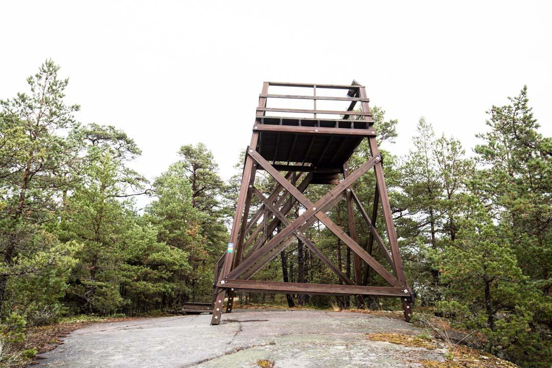 näköalatorni Jussarön saarella Tammisaaren kansallispuistossa