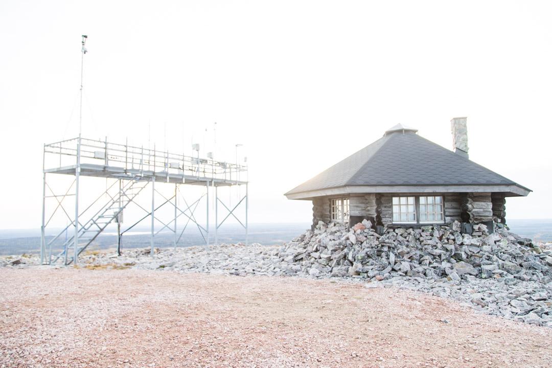 Luoston vaellusluontopolku ja säätutka Pyhä-Luoston kansallispuistossa