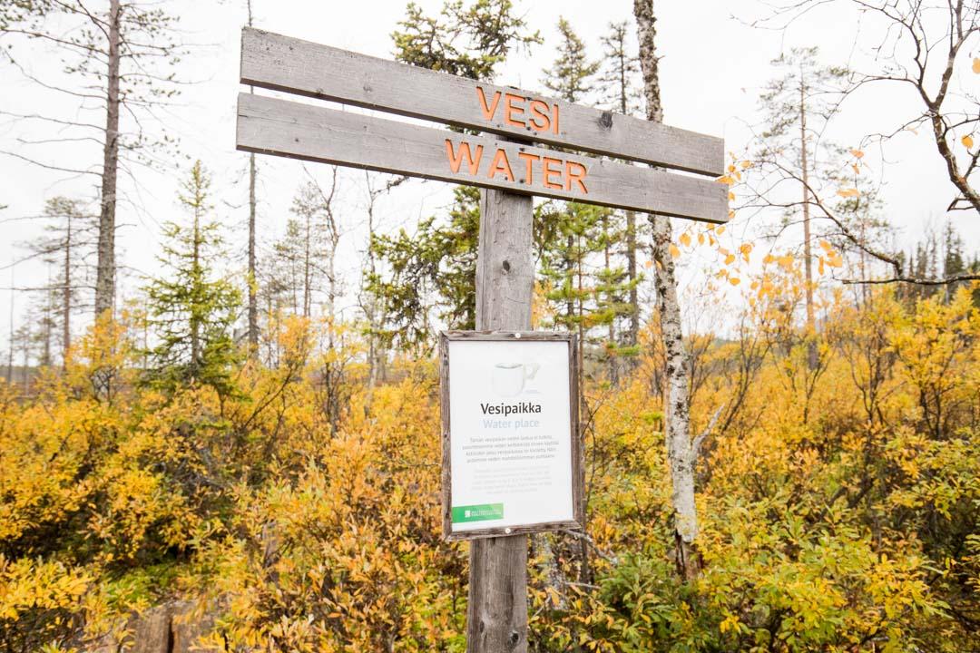 Tiaislaavun vesilähde Tunturiaavan luontopolulla Pyhä-Luoston kansallispuistossa